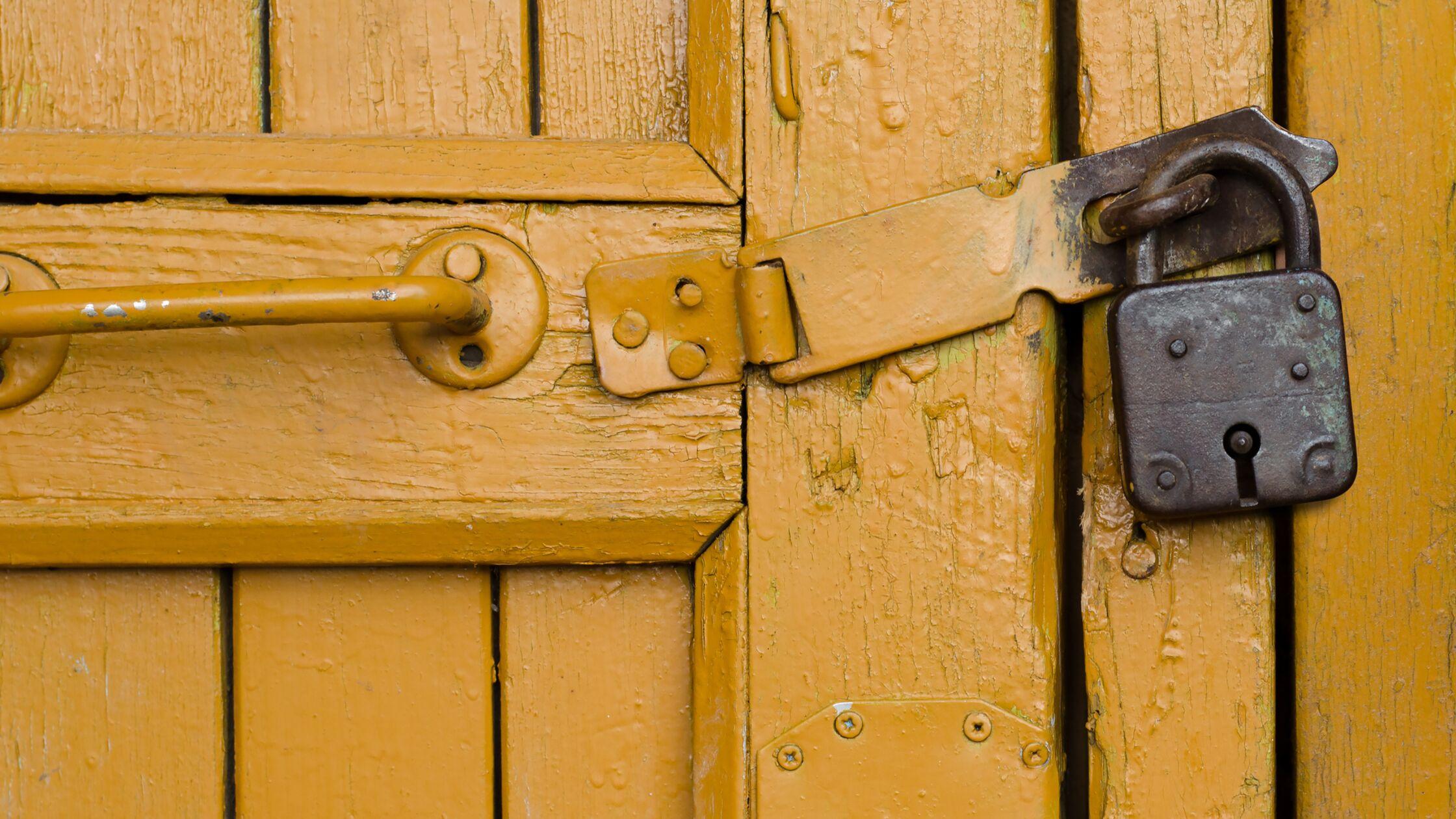 Einbruchschutz: Tür und Tor gegen Diebe sichern
