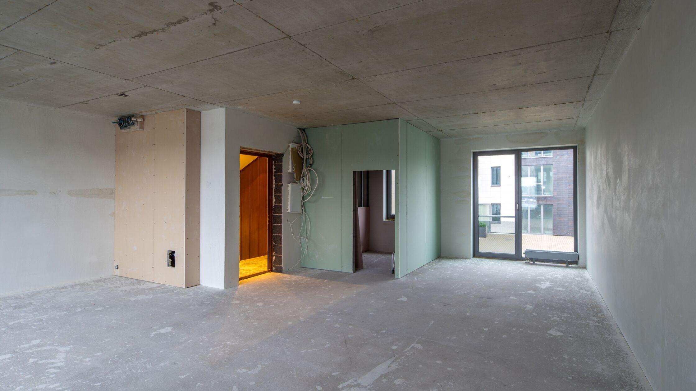 Sanierte Wohnung ohne Fußboden oder Wände
