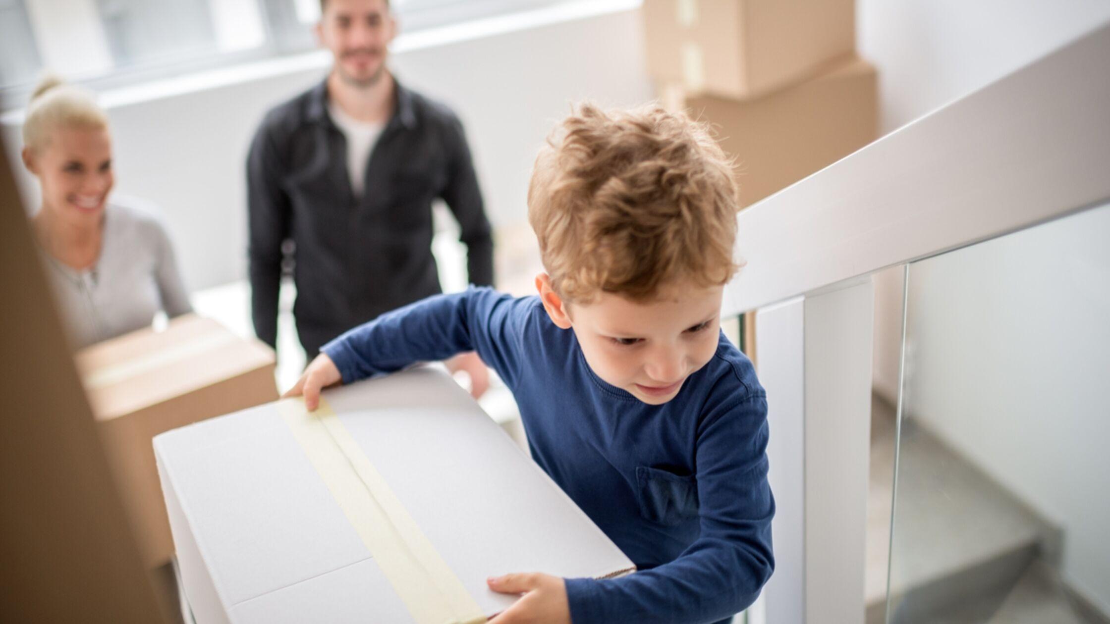 Familie zieht in Wohnung mit Wohnberechtigungsschein