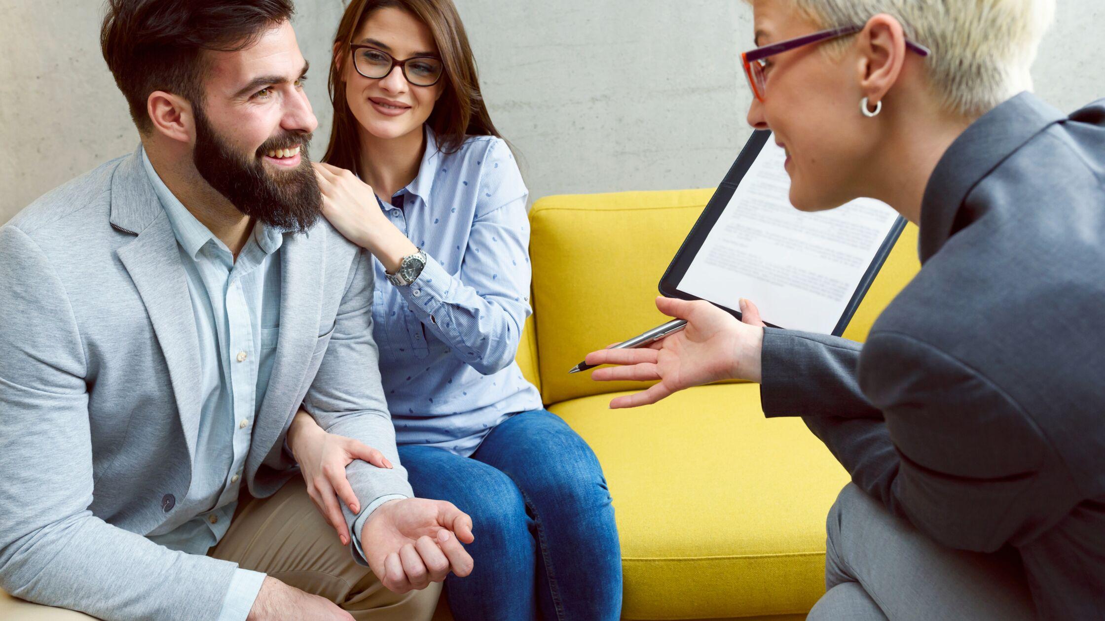 Paar überzeugt Vermieterin in persönlichem Gespräch