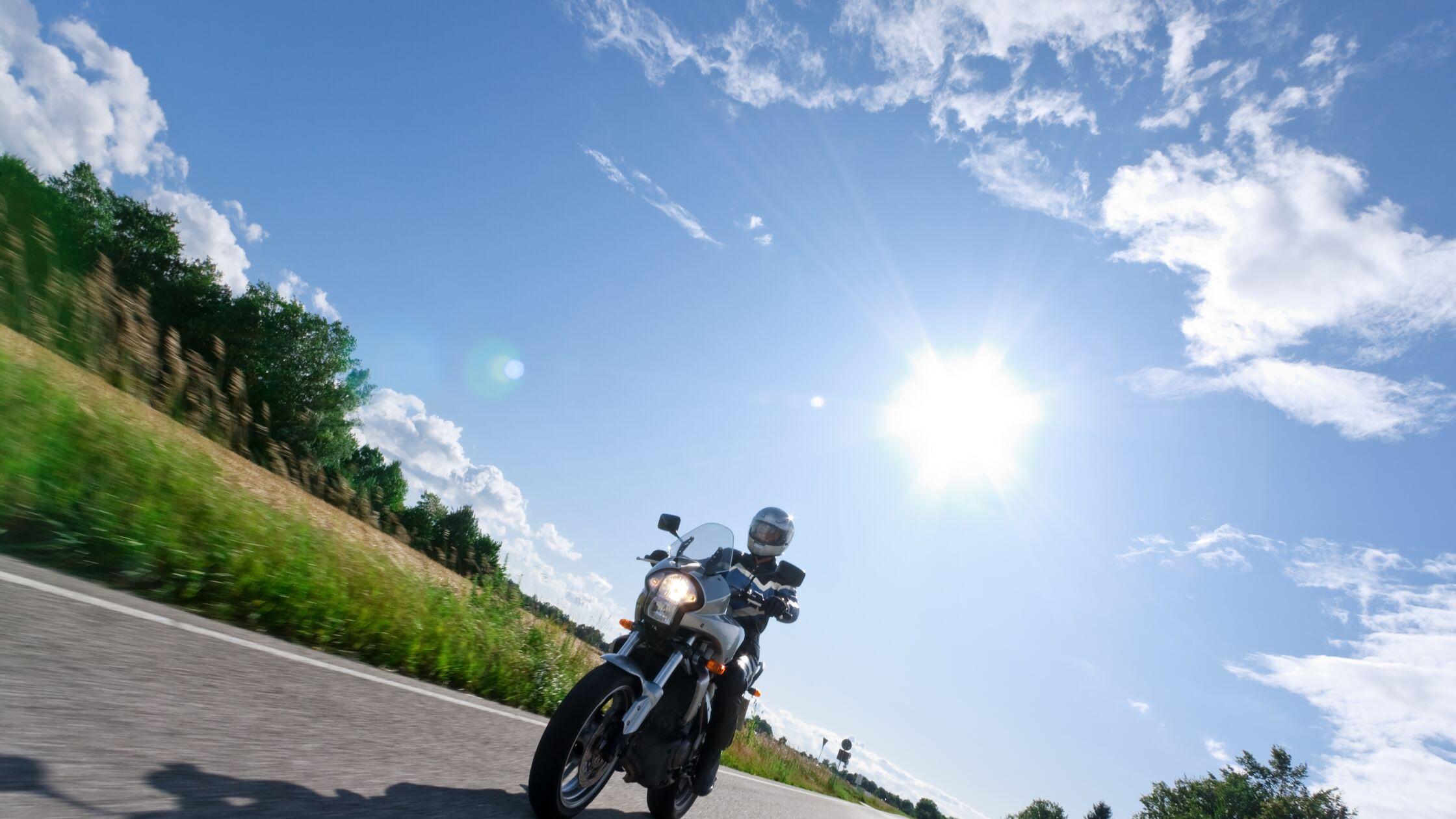 Motorrad transportieren: Sicher Umziehen mit dem PS-starken Zweirad