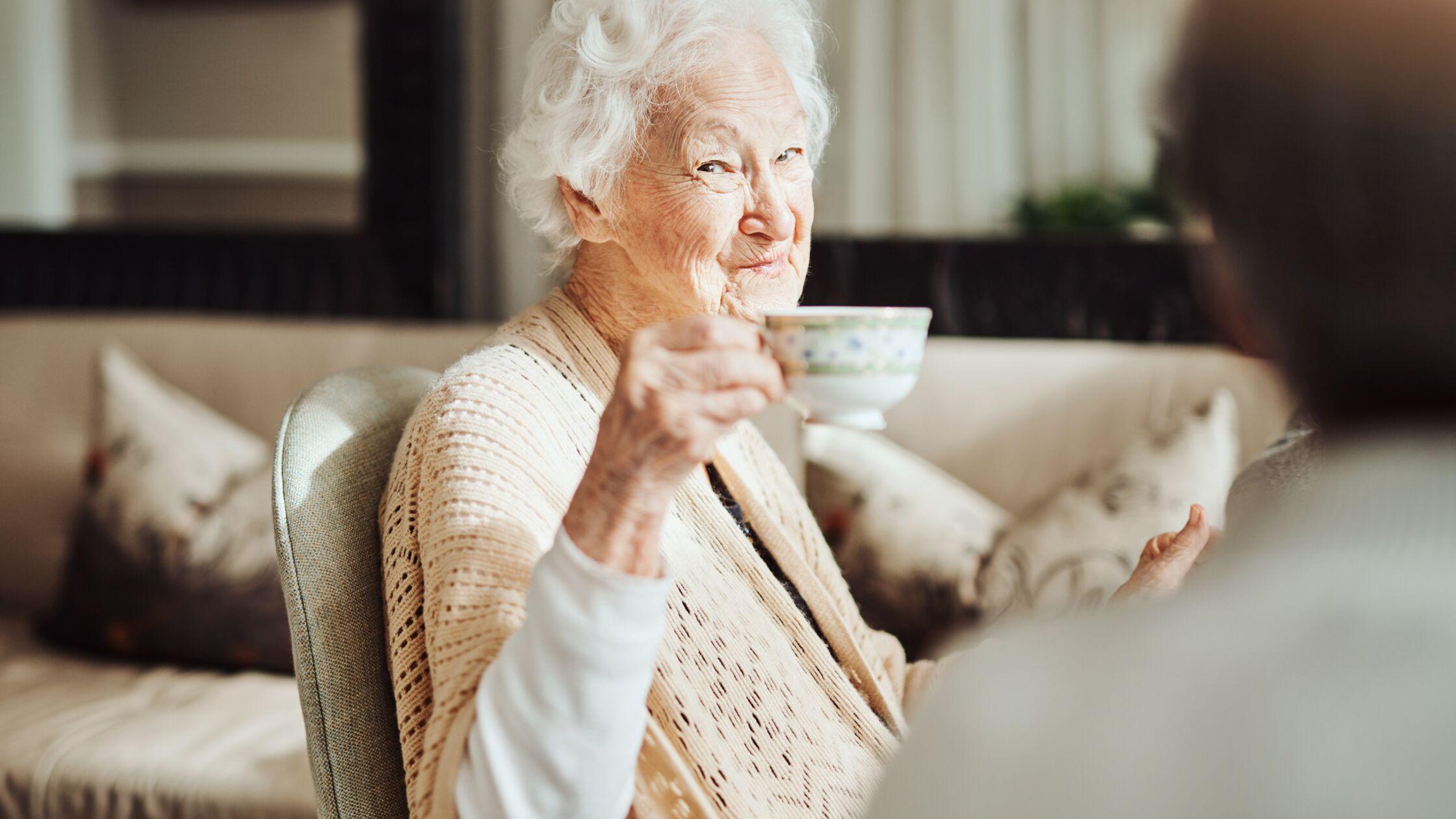 ältere Frau im Betreuten Wohnen