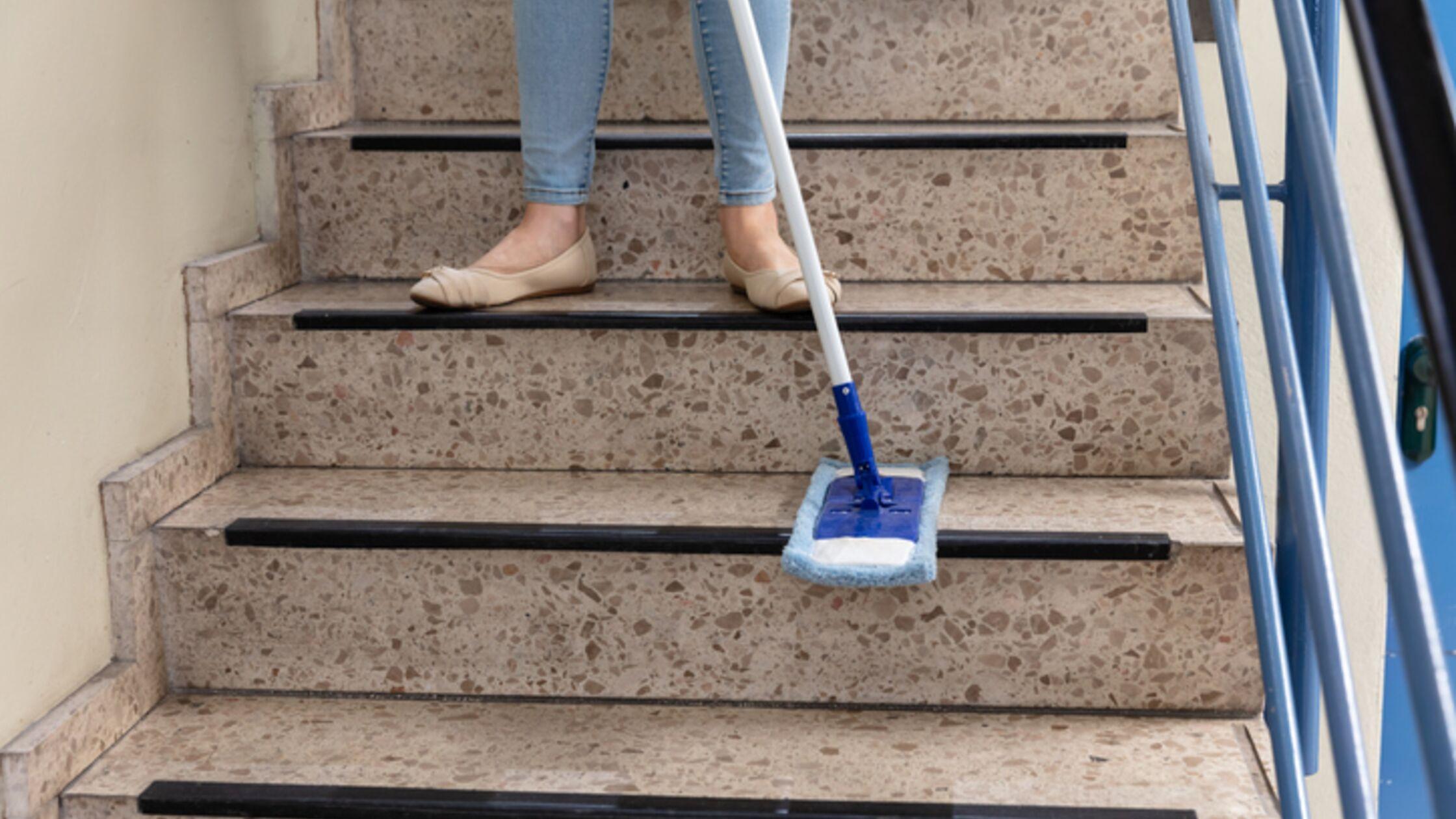 Treppenhaus reinigen Hausordnung