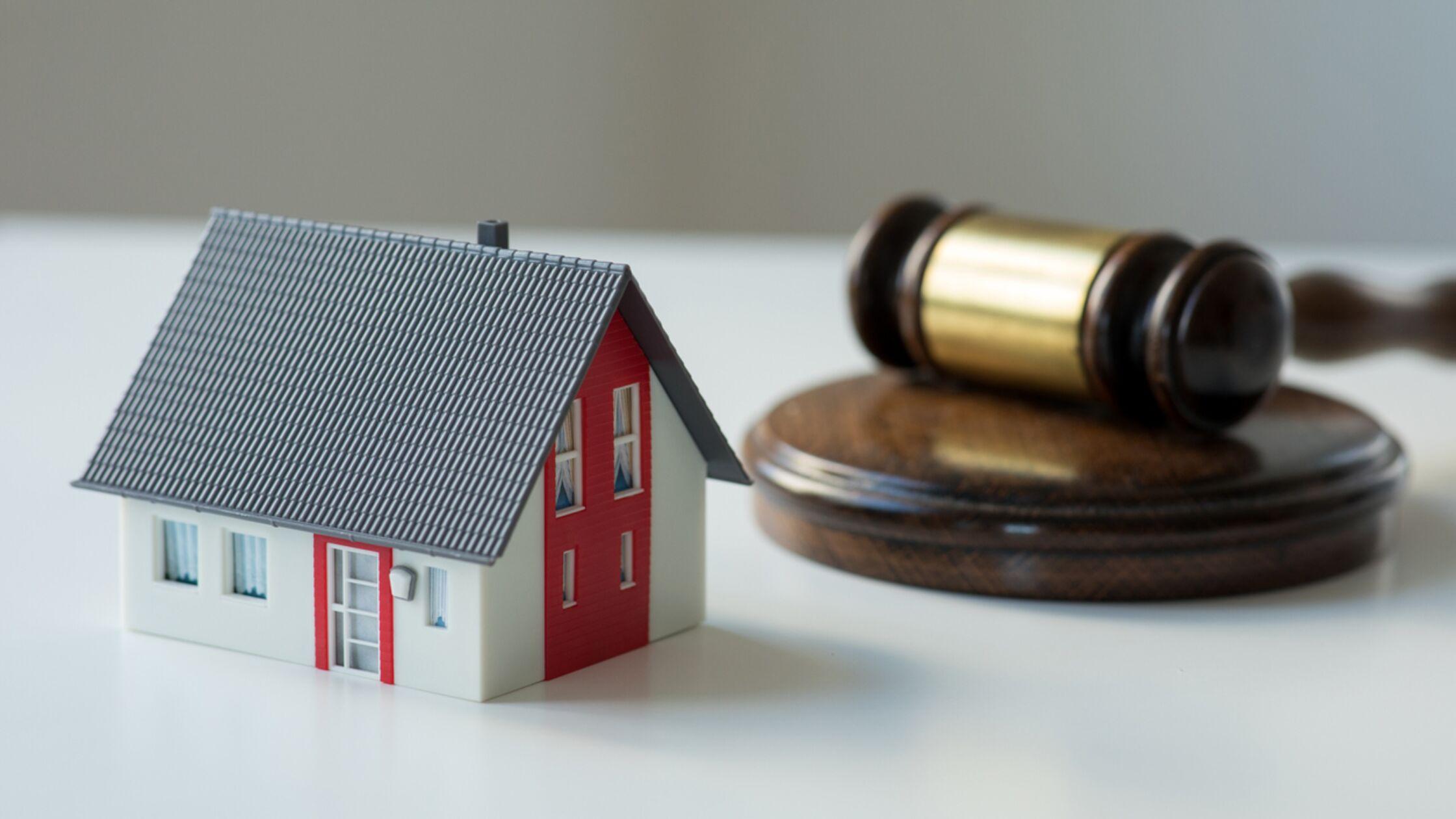 Zwangsversteigerung von Immobilien: Mit diesen Tipps sichern Sie sich ein Schnäppchen