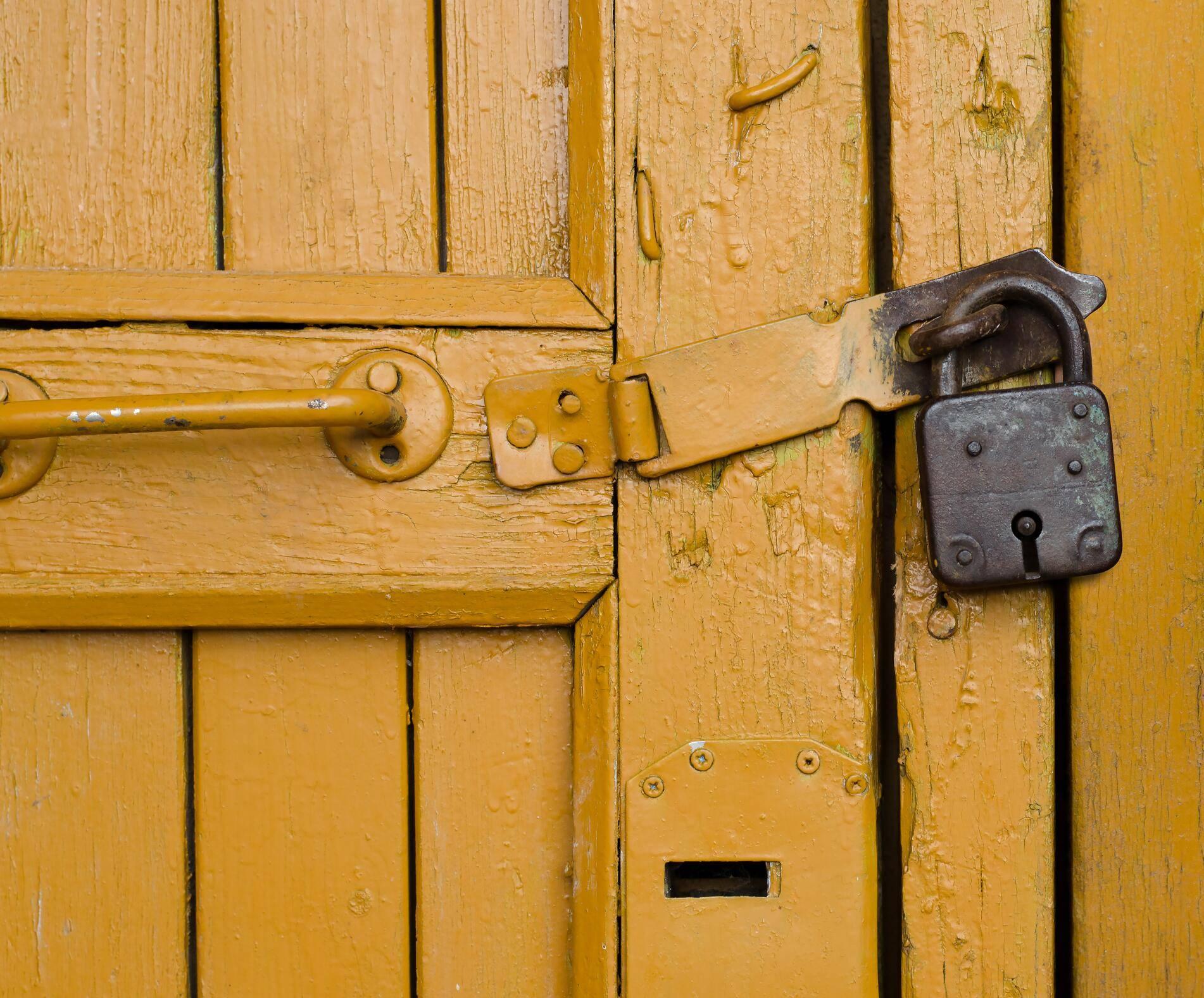 Extrem Einbruchschutz: Tür und Tor gegen Diebe sichern PB62
