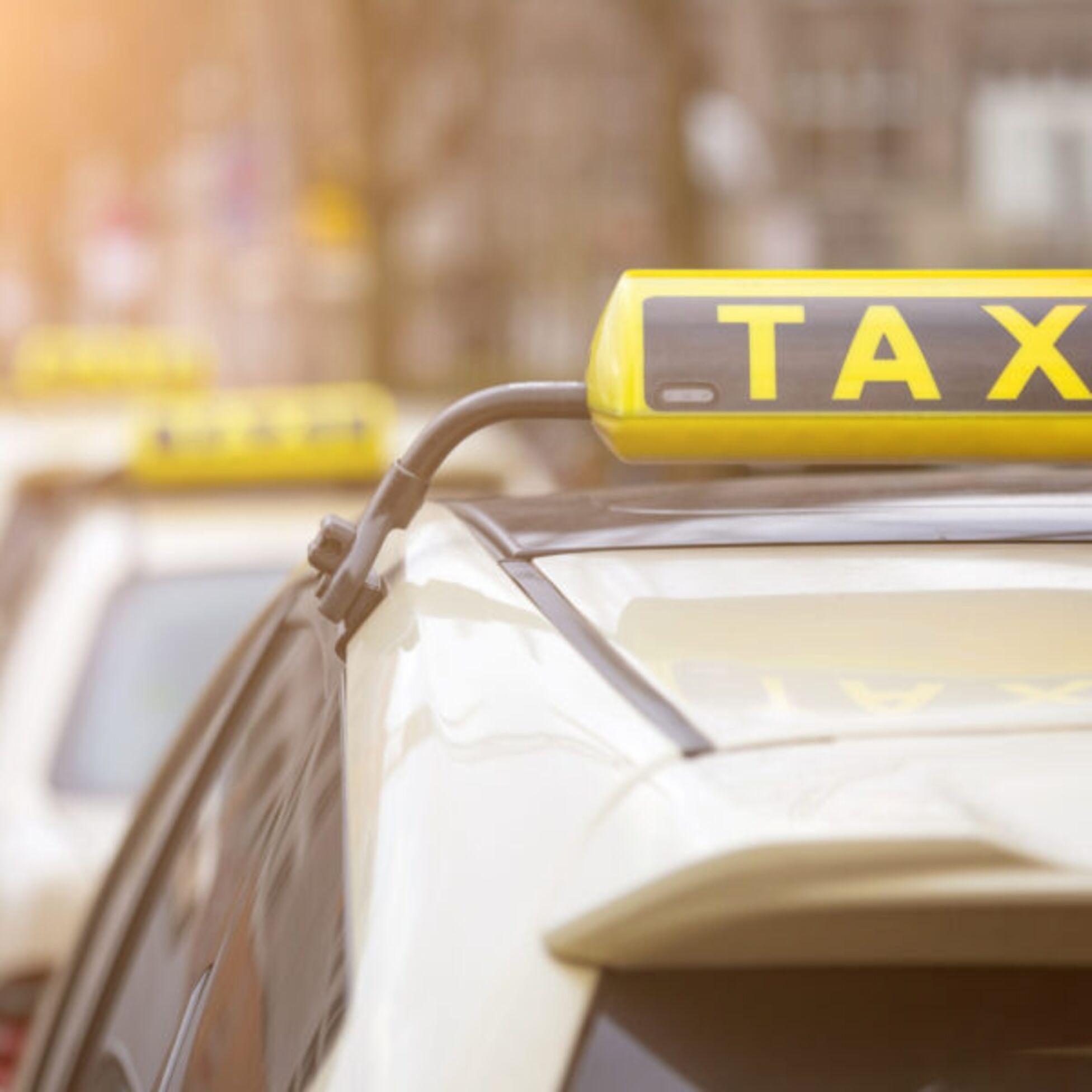 Möbel mit dem Taxi transportieren