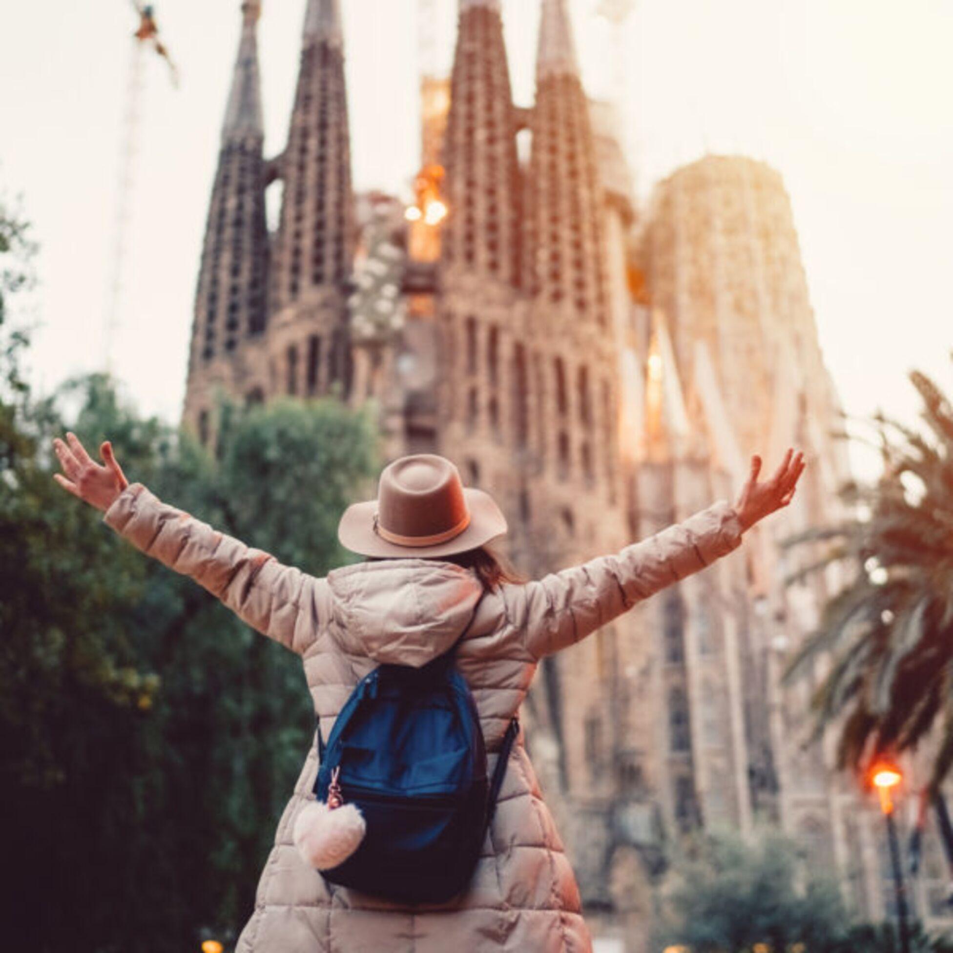 Junge Frau in Barcelona