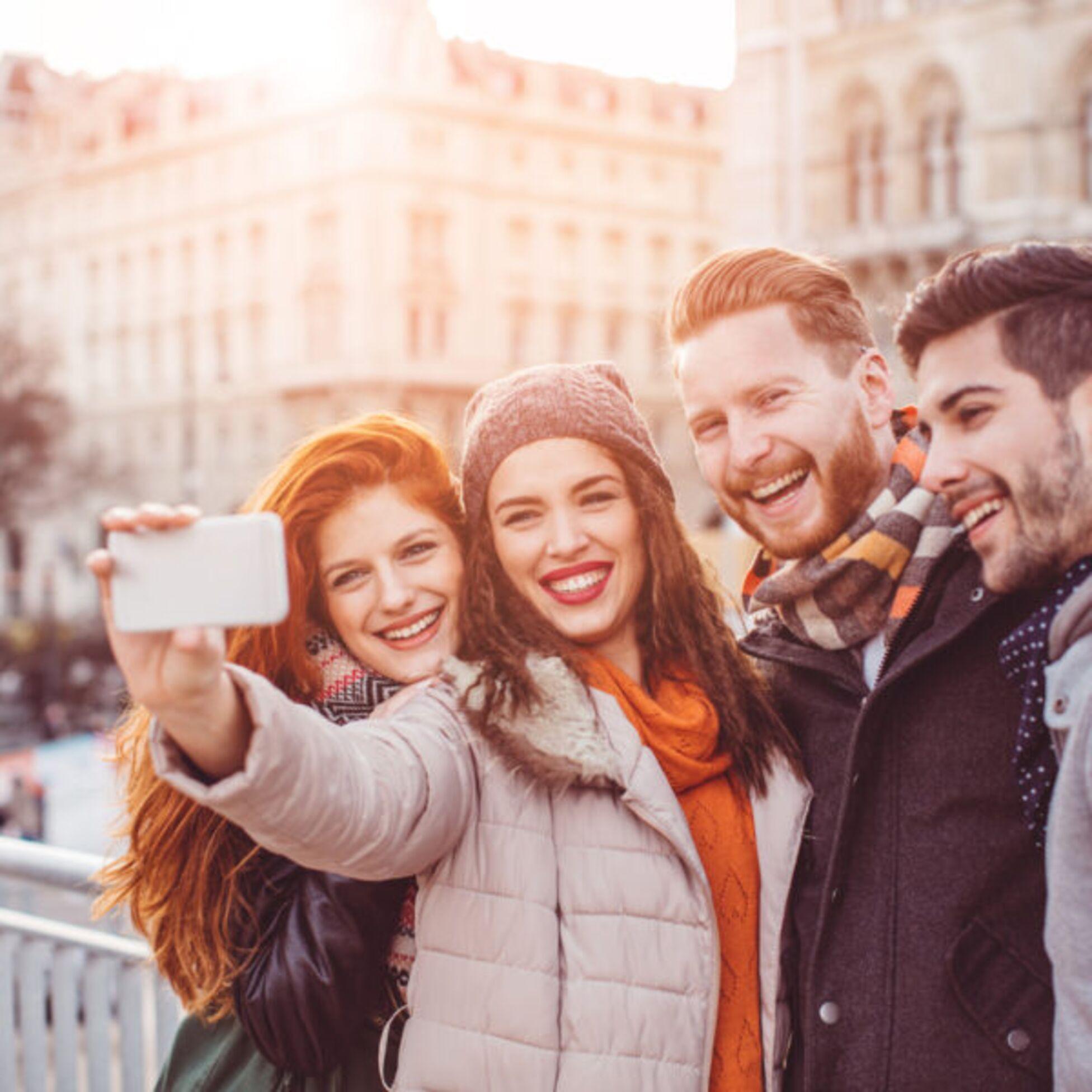 Mit diesen fünf Fragen lernst du schnell Leute in einer neuen Stadt kennen
